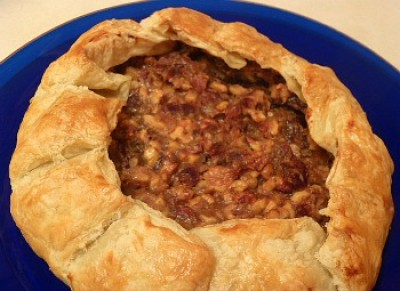 Date & Walnut Puff Pie
